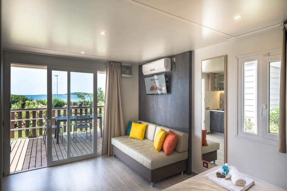 MobilHome Suite Beach - Sea view rooms - BiVillage (Fazana, Croatia)